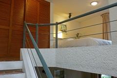 Escalera de acceso a la planta alta